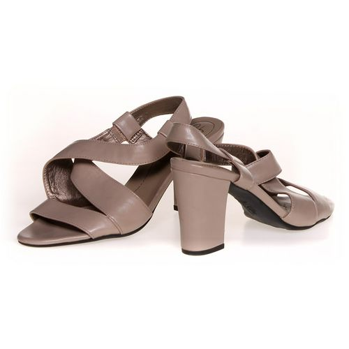 Life Stride Sandals in size 7.5 Women's at up to 95% Off - Swap.com