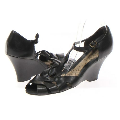 KENNETH COLE REACTION Sandals in size 8 Women's at up to 95% Off - Swap.com