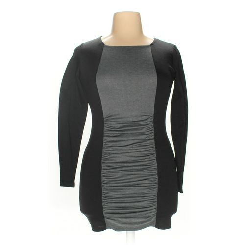 Dress V Shirt in size XL at up to 95% Off - Swap.com
