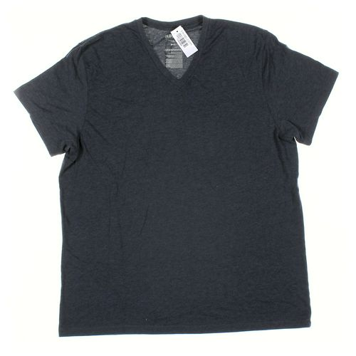 Old Navy Short Sleeve T-shirt in size XL at up to 95% Off - Swap.com