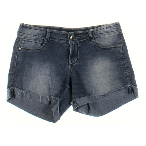L.E.I. Shorts in size JR 7 at up to 95% Off - Swap.com