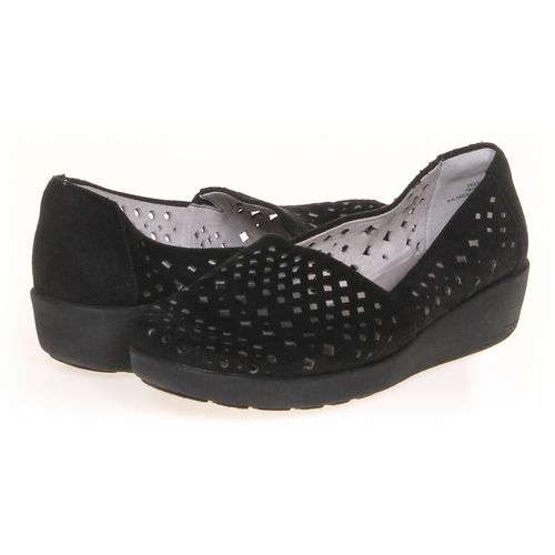Easy Spirit Slip-ons in size 6.5 Women's at up to 95% Off - Swap.com