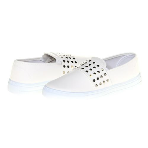 Qupid Slip-ons in size 6.5 Women's at up to 95% Off - Swap.com
