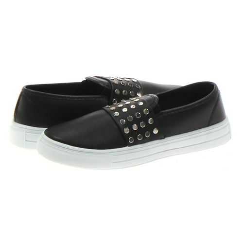 Qupid Slip-ons in size 7.5 Women's at up to 95% Off - Swap.com