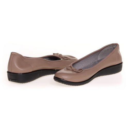 Comfort Soft Slip-ons in size 8 Women's at up to 95% Off - Swap.com