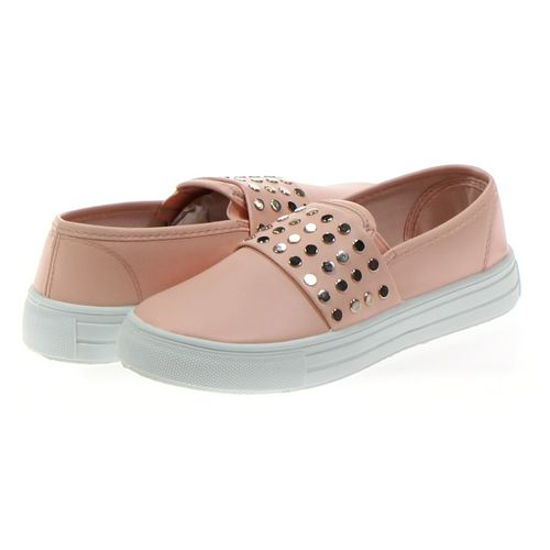 Qupid Slip-ons in size 8.5 Women's at up to 95% Off - Swap.com