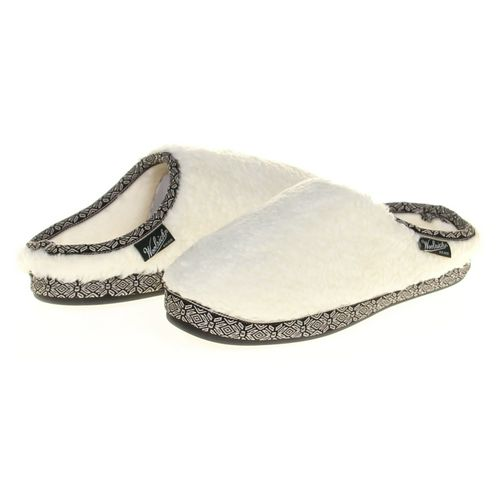 Woolrich Slippers in size 9 Women's at up to 95% Off - Swap.com