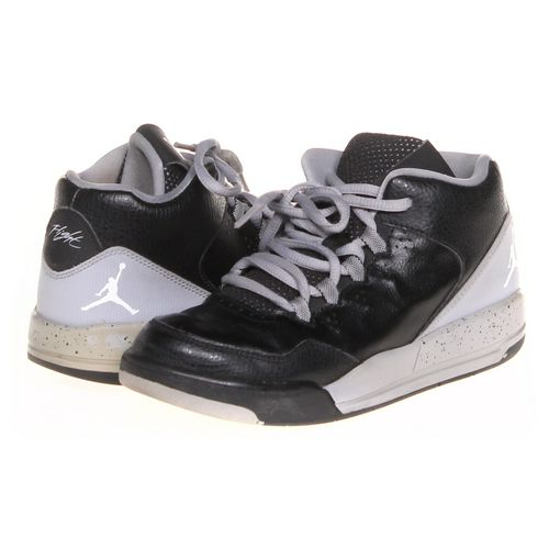 Jordan Sneakers in size 1.5 Youth at up to 95% Off - Swap.com