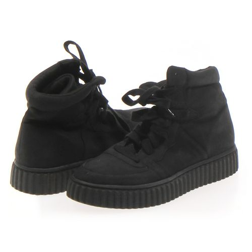 Olivia Sneakers in size 6.5 Women's at up to 95% Off - Swap.com