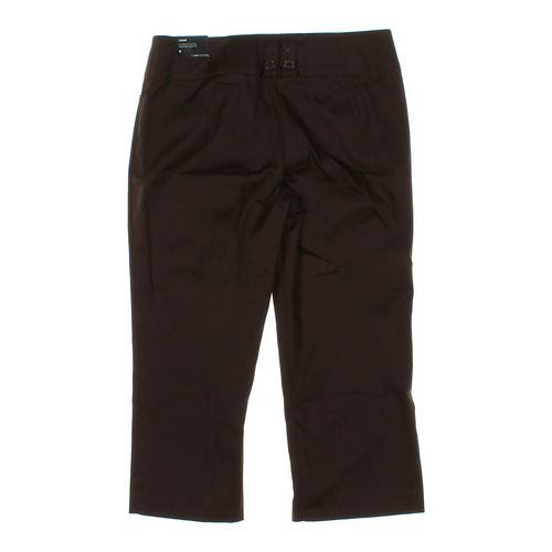 Larry Levine Stylish Capri Pants in size 6 at up to 95% Off - Swap.com
