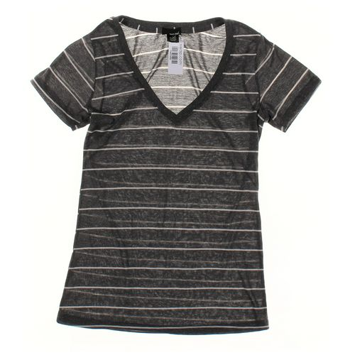 Wet Seal T-shirt in size L at up to 95% Off - Swap.com
