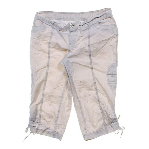 duo Maternity Trendy Maternity Capri Pants in size L at up to 95% Off - Swap.com