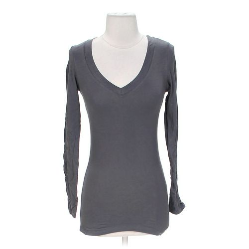 Ambiance Apparel V-Neck Tee in size S at up to 95% Off - Swap.com